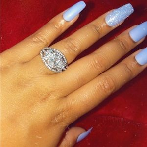 3 Stone Ring ⭐️